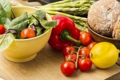 Läckra nya grönsaker för matställe Royaltyfria Bilder