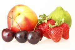 läckra olika frukter Arkivfoton