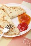 läckra pannkakor plate white Fotografering för Bildbyråer
