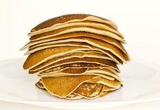 Läckra staplade pannkakor Royaltyfri Foto