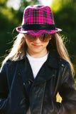läder för flickahattomslag Royaltyfria Bilder