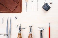 Läder som tillverkar hjälpmedelstilleben Royaltyfria Foton