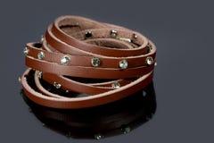 Läderarmband med kristaller Fotografering för Bildbyråer