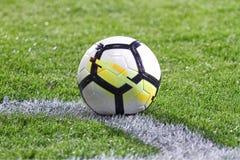 Läderfotboll- eller fotbollboll Fotografering för Bildbyråer