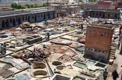 Lädergarveri i Marrakech Arkivbild