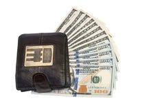 Läderplånbok med hundra USA-dollarräkningar Arkivfoton