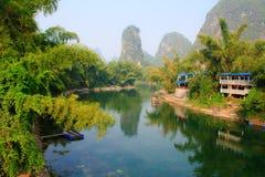 Läfloden i Yangshuo. Kina. Arkivfoto