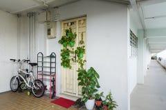 Lägenhetenhet och korridor Arkivbilder