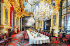 Lägenheter av Napoleon III Stor matsal Louvremuseet är Arkivbild
