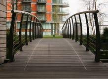 lägenheter bridge till Royaltyfria Bilder