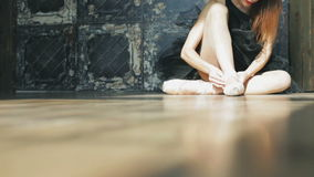 Lägenheter för balett för ballerinadansare bärande Dansa skor lager videofilmer