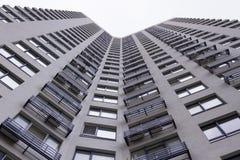 Lägenheter på himmelbakgrunden Royaltyfri Bild