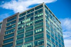 lägenheter som bygger arbete för ställe för affärskontor Arkivbild