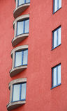 lägenhetfönster fotografering för bildbyråer