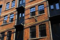 lägenhetfönster Royaltyfria Bilder