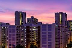 Lägenhetskymning som bor plan solnedgång, aer för skymningskyskrapatid Royaltyfria Foton