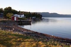 läger som fiskar vatten royaltyfri fotografi