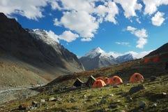 läger som trekking Arkivfoton