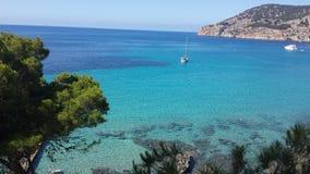 Lägerde Fördärva Medelhavs- blått hav royaltyfri fotografi