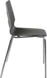 Lägger benen på ryggen plast- stol för grå färg med krom, den moderna formgivaren Stol som isoleras på vit bakgrund vektor för mö Arkivbilder