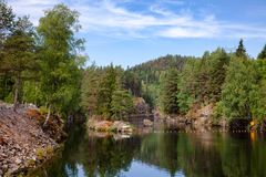 Lägre kanal av det Vrangfoss låset på det Telemark kanalTelemark länet arkivfoto