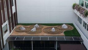 Läka trädgårdar i det Ramathibodi sjukhuset Arkivfoto