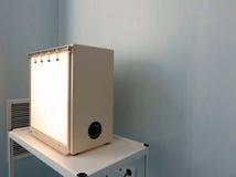 Läkarundersökning-diagnostisk utrustninglokal Arkivbild