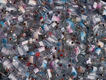 Läkarundersökningflaskor i avfalls Royaltyfri Fotografi