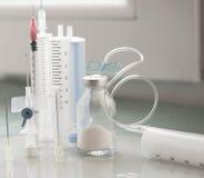 Läkarundersökninguppsättning för applikation av droger Arkivfoton