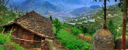 Ländliche Landschaft des Frühlinges in den Hochländern von südwestlichem China. Stockbilder