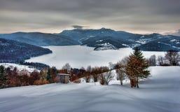 Ländliche Landschaft des Winters lizenzfreies stockfoto