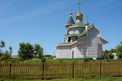 Ländliche orthodoxe Kirche in Sibirien lizenzfreies stockfoto