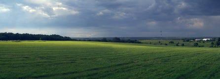 Ländliche panoramische Landschaft mit vor einer Sturmzustand der Natur Stockfoto