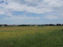 Ländliche Sommerlandschaft von Mittel-Russland Breites Feld mit patche Lizenzfreies Stockbild