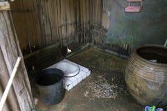 Ländliche Toilette in Thailand lizenzfreies stockbild