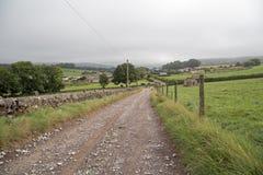 Ländlicher Weg im Höchstbezirk, Derbyshire Lizenzfreies Stockfoto