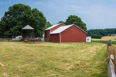 Ländliches Land-York County Pennsylvania Ackerland, an einem Sommer-Tag Stockfotos
