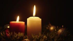Längd i fot räknat av stearinljusbränningen med prydnadjul Juldagen