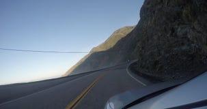 Längd i fot räknat från ut fönstret av en bil stock video