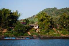 längs den livstidsmekong floden Royaltyfri Fotografi