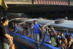 längs fartyget saen uttryckt khlongsaeb Royaltyfri Bild