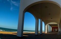 längs havet fotografering för bildbyråer