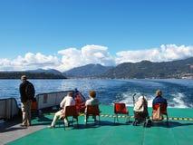 längs shipen för utfärdgardalake Royaltyfri Bild