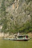längs yangzi för pråmflodtrafik Fotografering för Bildbyråer