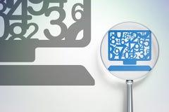 Lära begrepp: DatorPC med optiskt exponeringsglas på digital bakgrund Royaltyfri Foto
