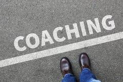 Lära för seminarium för coachning- och mentoringutbildningsutbildning som är halvt royaltyfri foto