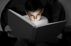 läs-och skrivkunnighetavläsning Royaltyfri Bild