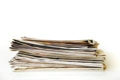 Läs- tidning på tabellen Arkivfoton