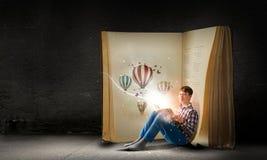 Läsa och fantasi Arkivfoton