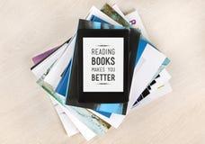 Läseböcker gör dig bättre Arkivbild